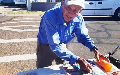 Don José, el paletero de 70 años de Phoenix