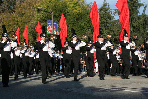Este año participaron 21 bandas marchantes en el desfile.