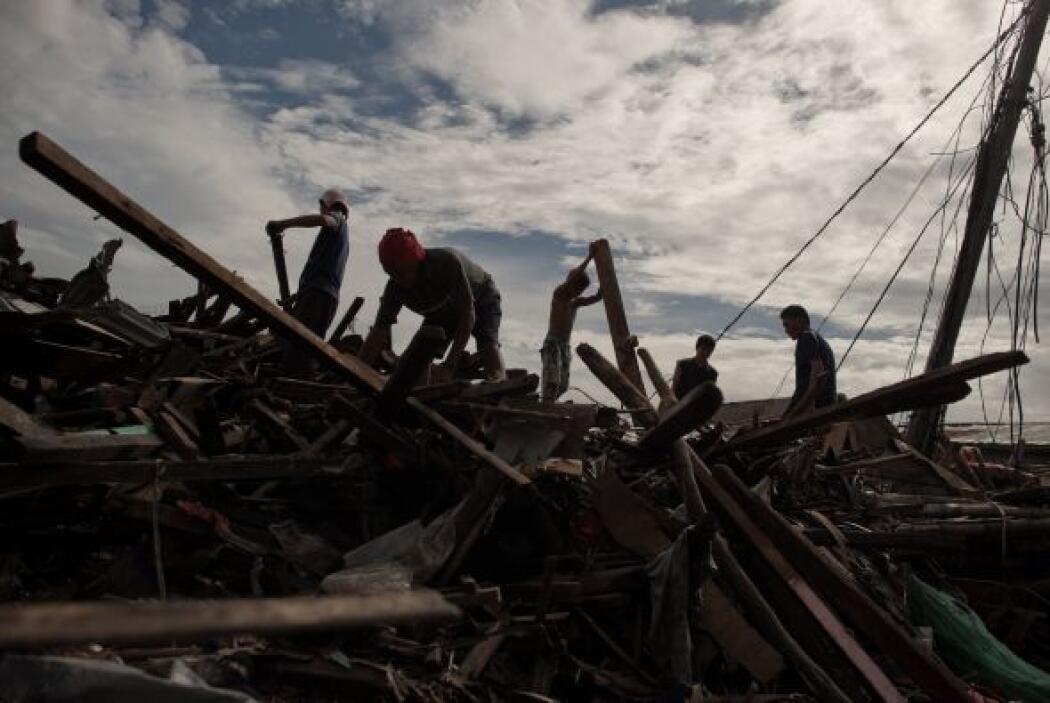 La funcionaria de Naciones Unidas visitó el martes la ciudad de Tacloban...