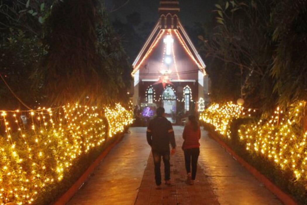 La Navidad se celebra con bombos y platillos en toda la India. Las escue...