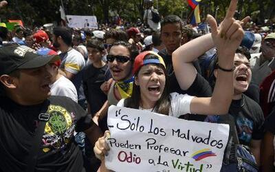 Violencia en las calles de Venezuela por protestas estudiantiles