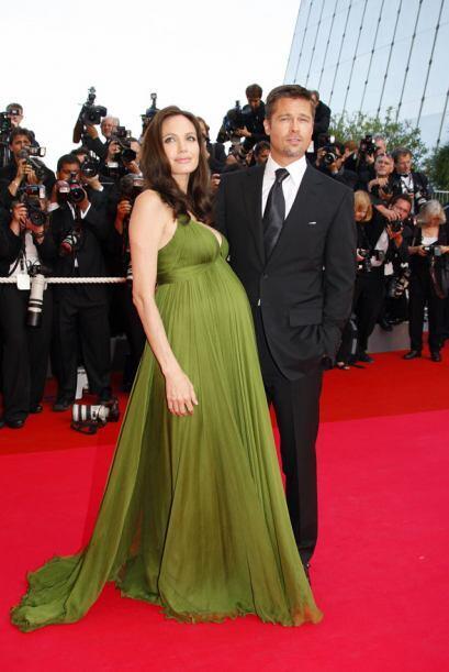 Angelina Jolie se veía muy linda con su pancita. Mira aquí...