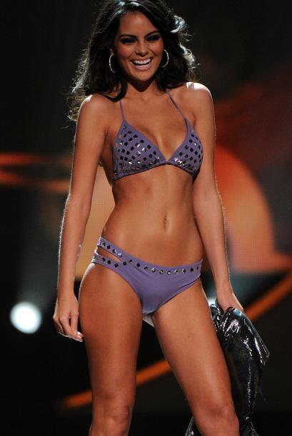 Ximena Navarrete es una reina de belleza y también apoya las cirugías.