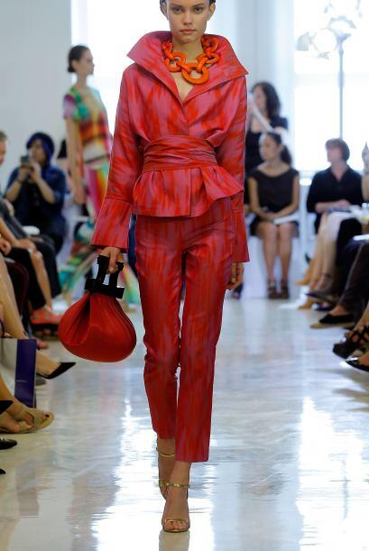 No sólo abundó la creatividad en vestidos sino también en coquetos conju...