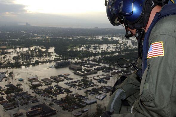En septiembre del 2005, el 85 por ciento de la ciudad estaba bajo el agu...