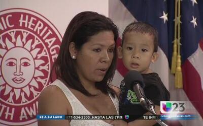 Madres indocumentadas comparten testimonios