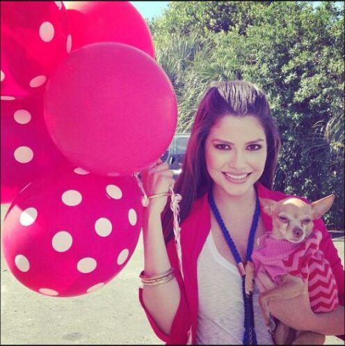 Ana celebrará el día con su verdadero amor, su mascota Honey.