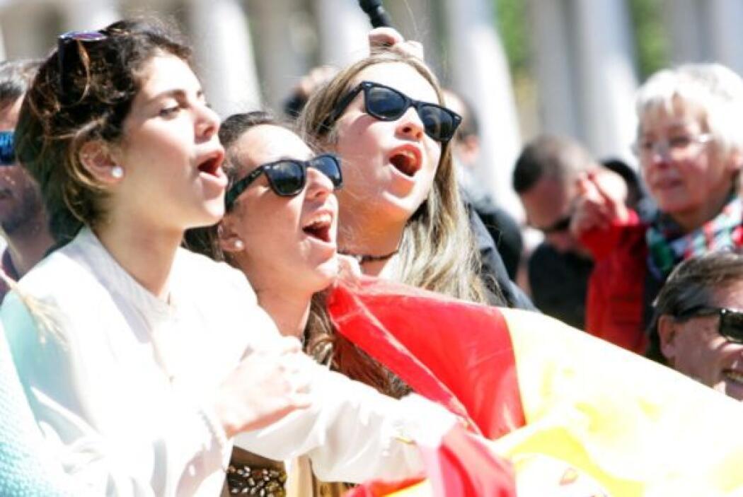 - 220,000: las personas que tiene capacidad de acoger la Plaza de San Pe...