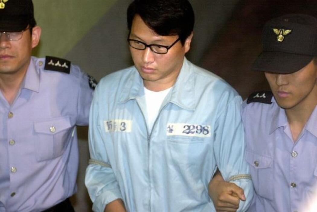 En 2004 la Corte Suprema de Seúl suspendió la pena de cárcel de Tae-Won,...
