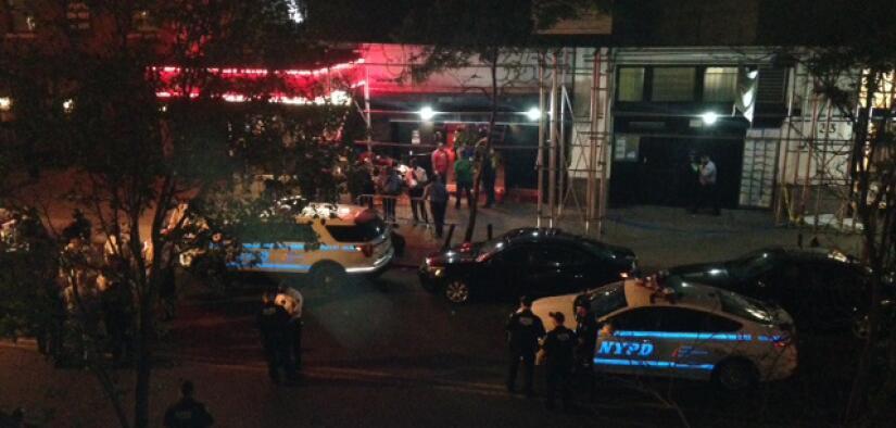 Autoridades investigan en las afueras de Irving Plaza tras el tiroteo de...