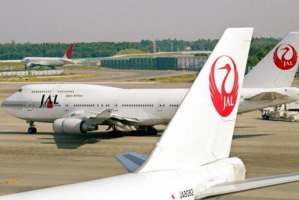 Los 15 tripulantes y 505 de los 509 pasajeros murieron, resultando en el...