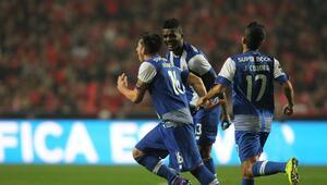 Héctor Herrera anotó el gol del empate para el Porto