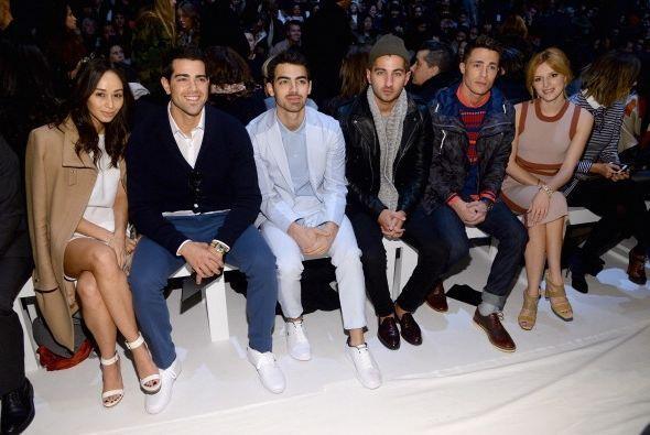 ¡Cada vez son más los famosos que incursionan en el mundo de la moda! En...