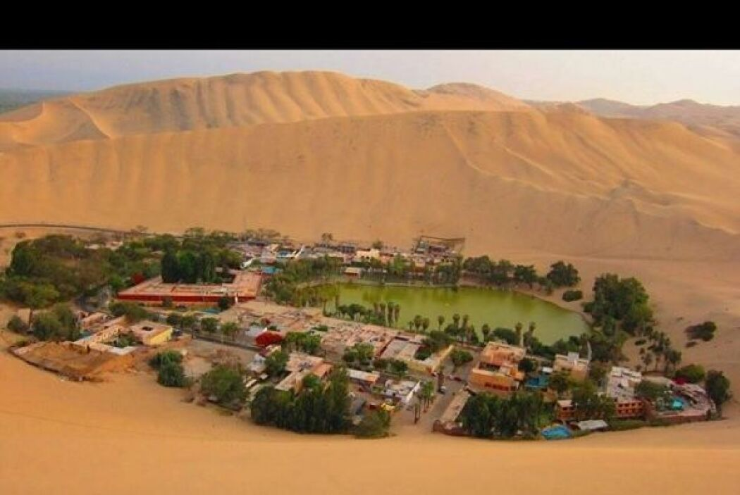 Huacachina, desierto Peruano   Huachachina es un pueblo pequeño de tan s...
