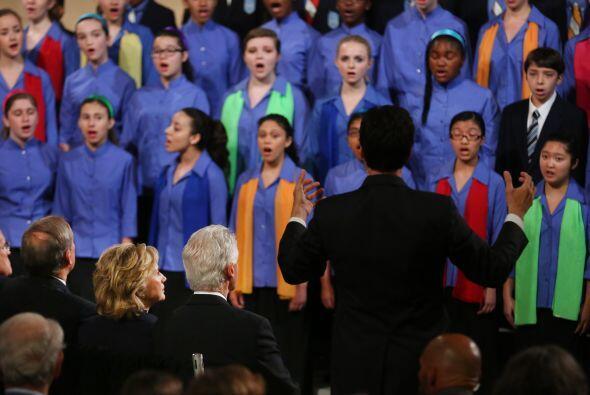 La ceremonia abrió  con   la participación del Coro   de Jóvenes   de l...