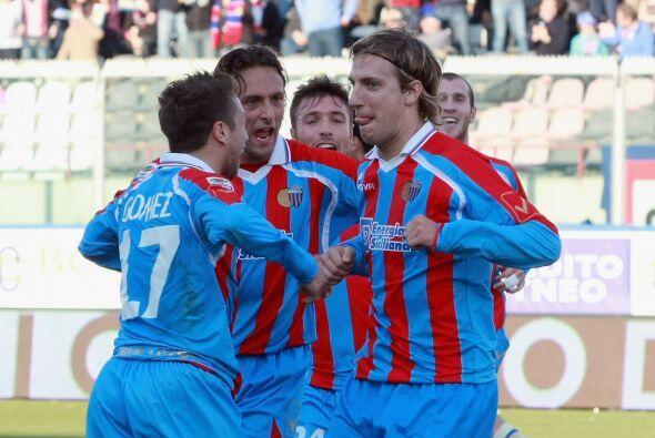 El argentino Maxi López abrió el marcador.