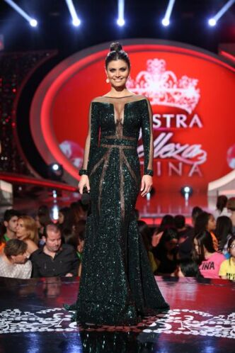 Su belleza la llevó a participar en Miss Venezuela 1990, donde quedó com...