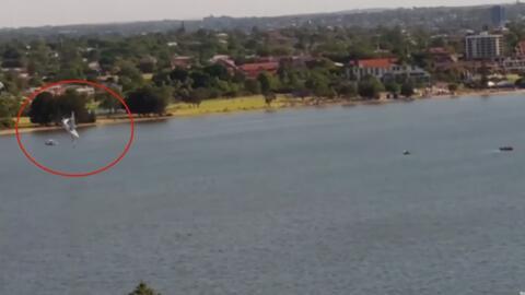 Avioneta cae en picado en un río de Australia y sus dos tripulantes muer...