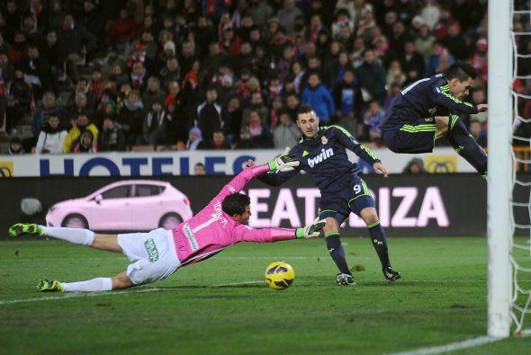 Mourinho hizo cambios en la segunda parte y Benzema entró. El francés tu...
