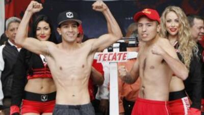 'Tornado' Sánchez y 'Topo' Rosas en peso (Foto: Zanfer).