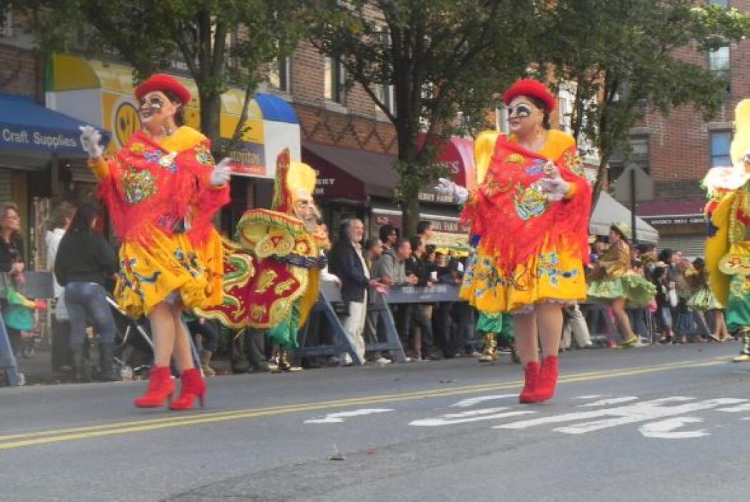 Primer desfile Boliviano de Nueva York 60b664be19054135993ef25f2e7ea6d7.jpg