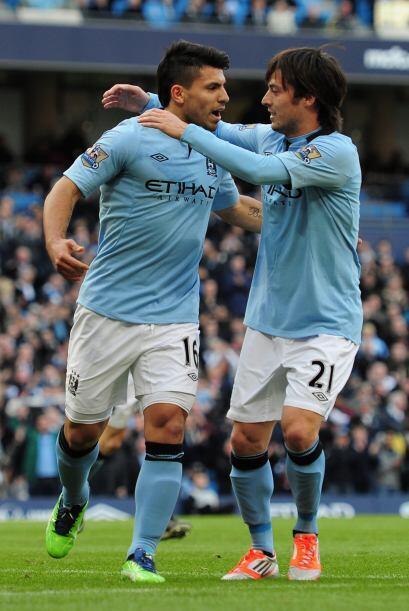 Dos goles del 'Kun' lideraron la victoria de los 'Citizens' para el 4-0...