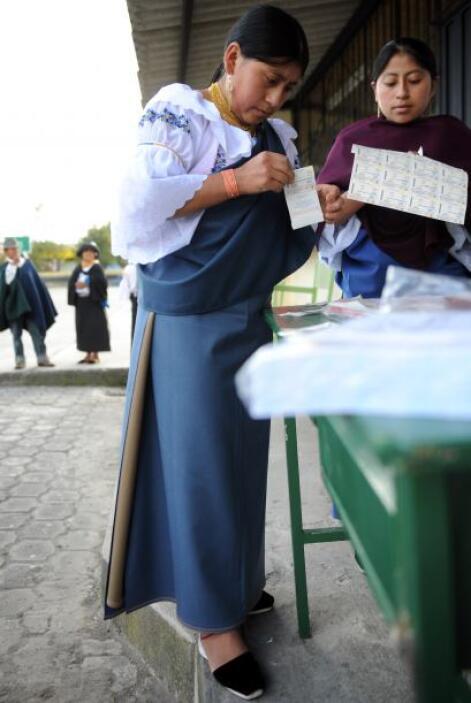 """El presidente del Consejo Electoral, Omar Simon, expresó que """"consultar..."""