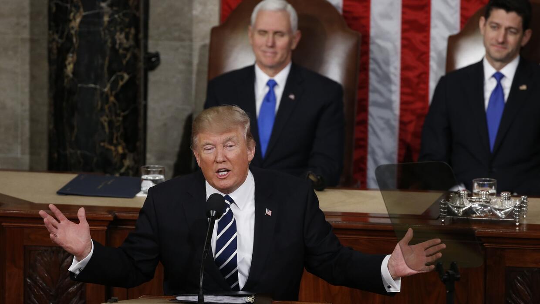 """Trump hace un llamado a la unidad de los partidos para resolver """"todo lo..."""