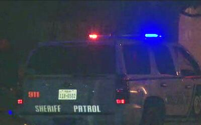 Agentes investigan la muerte de una mujer en la ciudad de Converse