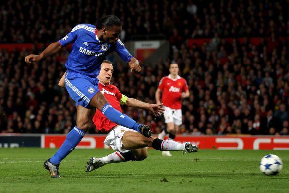 Pero la esperanza regresó con el gol de Didier Drogba que empatab...