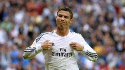 Cristiano Ronaldo celebra el segundo gol del Real Madrid, marcado de pen...