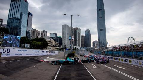 Piquet Jr, Turvey y López lideran la largada en Hong Kong.