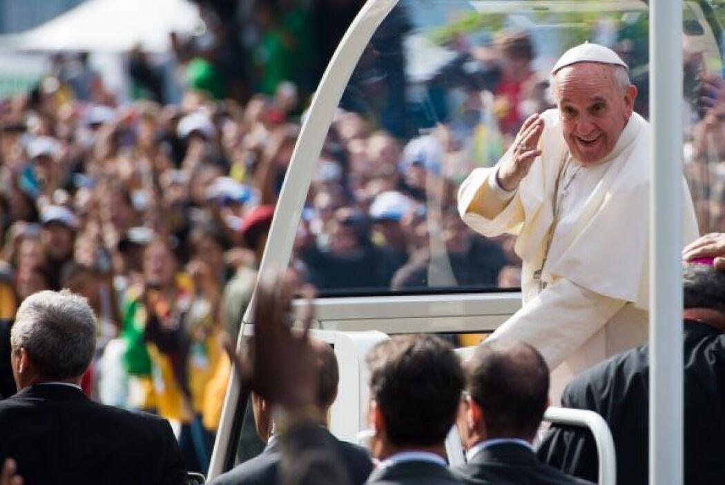 Tal fue el impacto del Papa en Río que las multitudes se aglutinaron en...