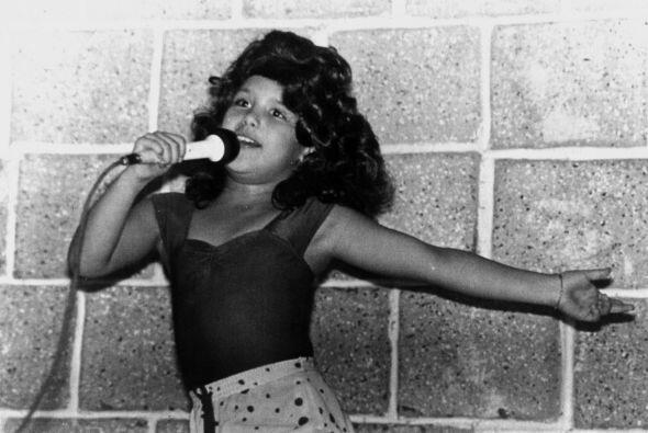 Angélica Vale a los 6 años de edad/México, 1981.