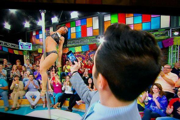 Una sorprendente bailarina que nos demostró sus habilidades en el...