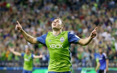 Jordan Morris celebra un gol para Seattle Sounders