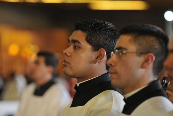 El santuario es visitado por miles de fieles de todo el mundo, al que ta...