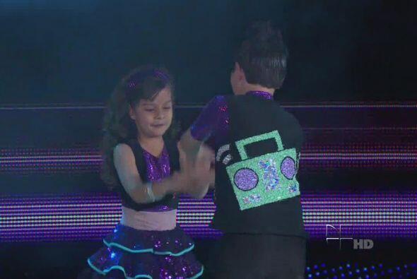 Los chiquitines le echaron muchas ganas y se divirtieron en el escenario.