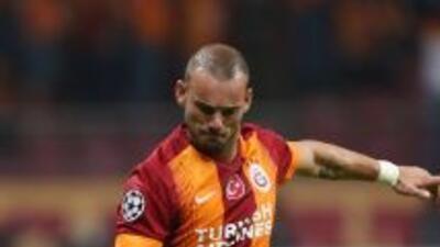Sneijder conquistó Estambul con sus golazos.