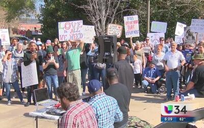 Manifestantes en Georgia protestan por la igualdad