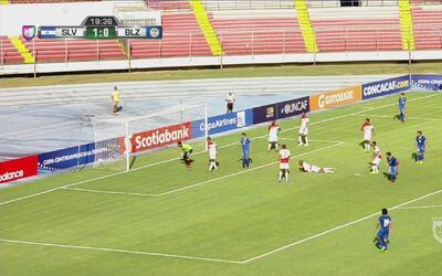 Sin transpirar, El Salvador anotó el 2-0 ante Belice
