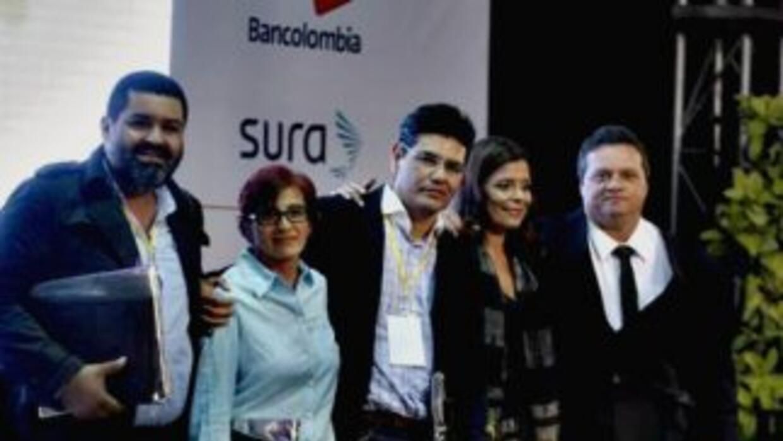Los ganadores son los periodistas latinoamericanos Alejandro Almazán, Es...