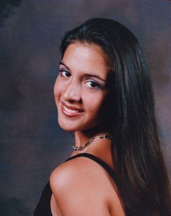 ¡Claro, esa hermosa marinera no podía ser otra queMaría Teresa Interiano!