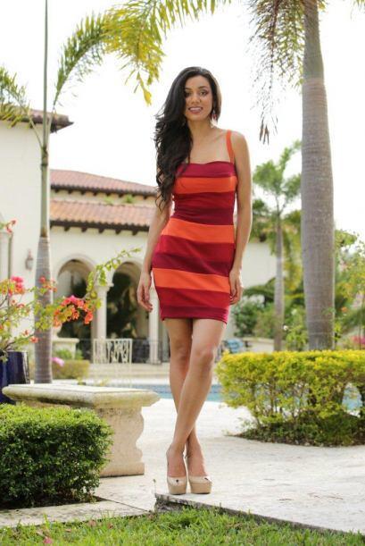 María Elena asegura que no vino a ser amigas sino a competir.