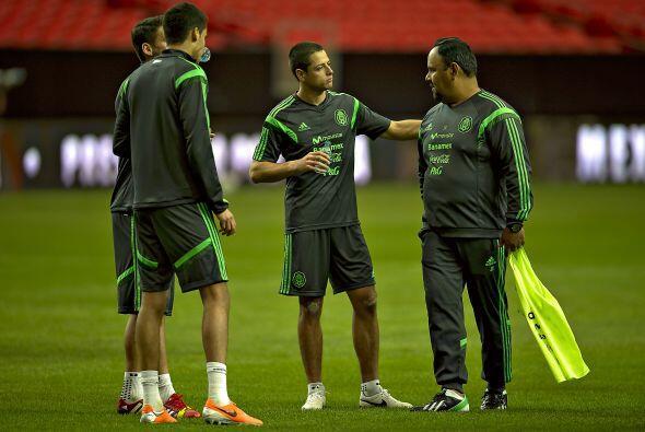 El 'Chicharito' irá de inicio ante Nigeria, el delantero del Manchester...