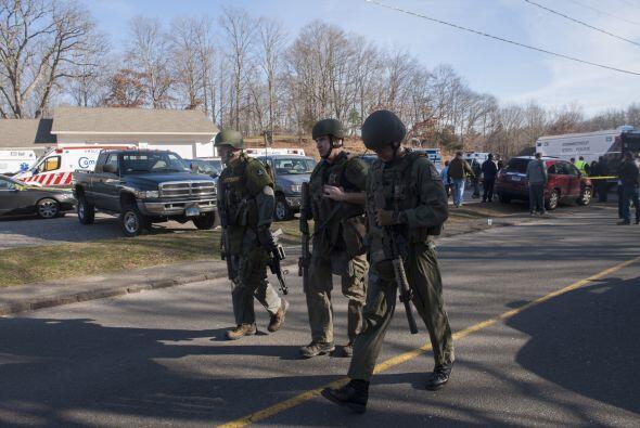 Un tiroteo en una escuela de Connecticut el 14 de diciembre de 2012, dej...