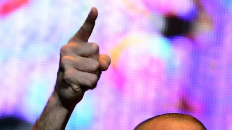 René Pérez de Calle 13 pidió ayuda sus fanáticos a través de Twitter par...