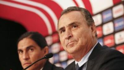 José Luis Real se dijo contento con los fichajes que Chivas tiene hasta...