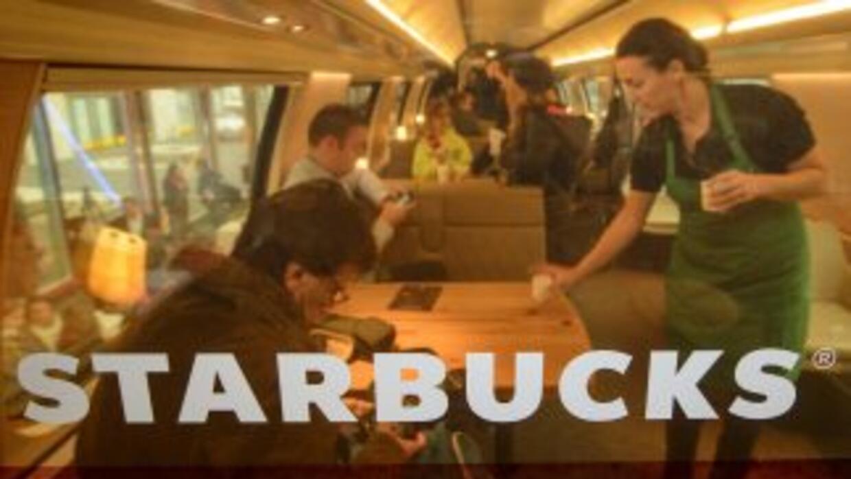 Starbucksaumentará la venta de bebidas alcohólicas y alimentos.