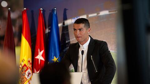 El jugador Cristiano Ronaldo durante una conferencia de prensa luego de...